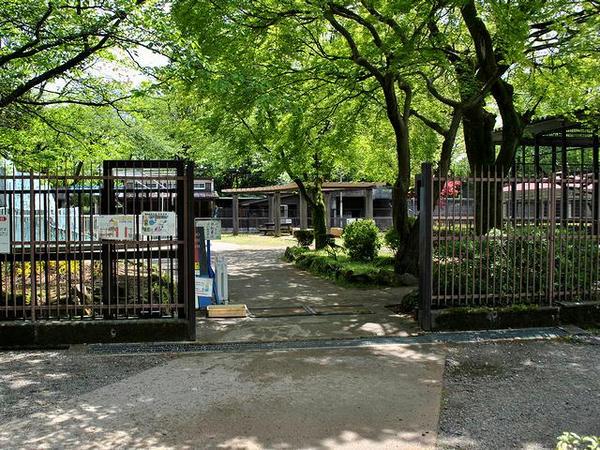 高岡古城公園動物園入口(三の丸側)