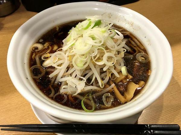 魚介黒醤油ラーメン 750円 + 味付煮たまご 100円 + BESTもやし 100円