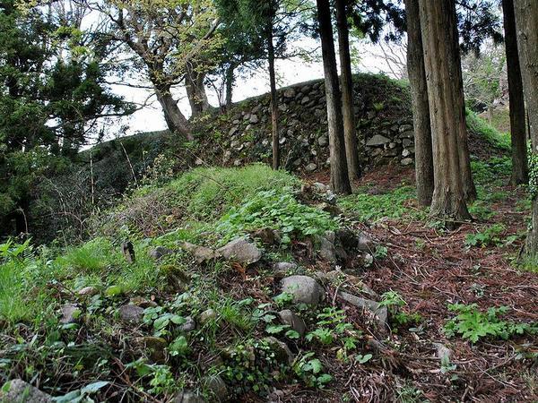 本丸を囲んでいた石垣