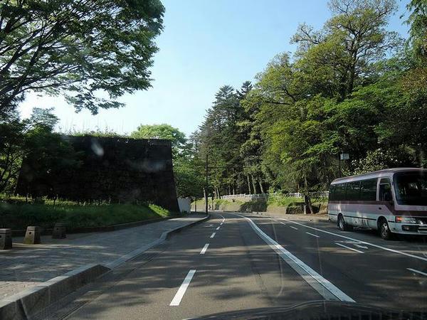 金沢城付近走行中