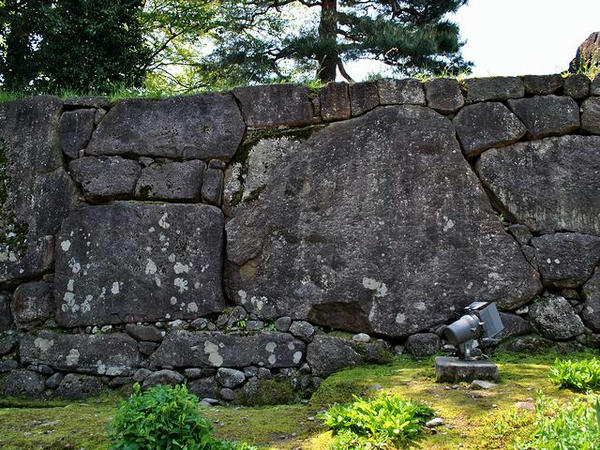 石垣の巨石