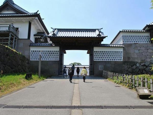 河北門一の門