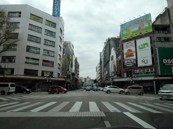 金沢市内の片町交差点