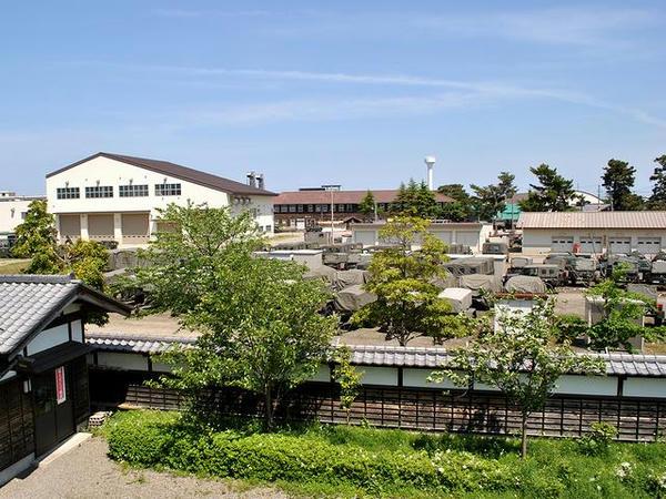 辰巳櫓から見た新発田駐屯地