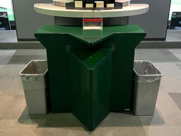 指定席フロアに置かれていたゴミ箱?