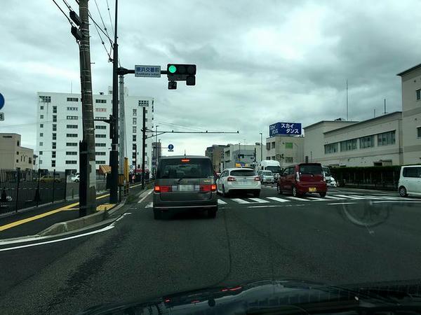 福島競馬場の駐車場から出たところ