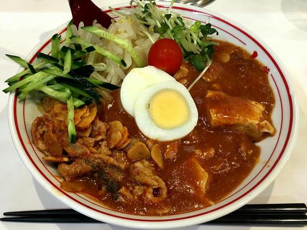 蒙古涼麺 880円