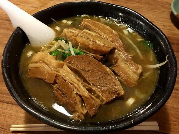 煮干し、豚角煮ラーメン 980円