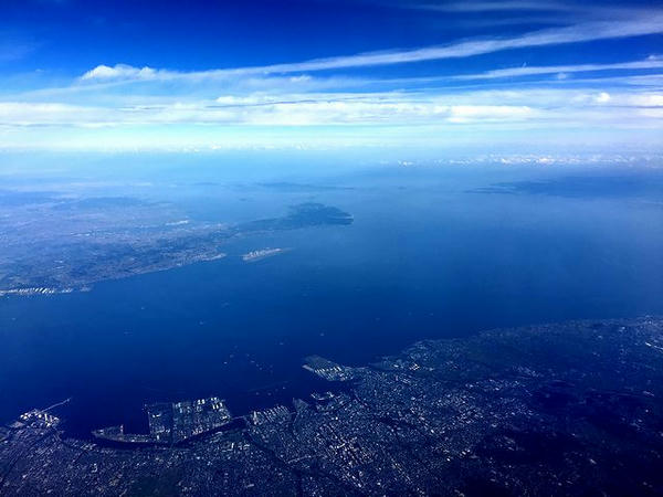 名古屋湾上空を飛行中