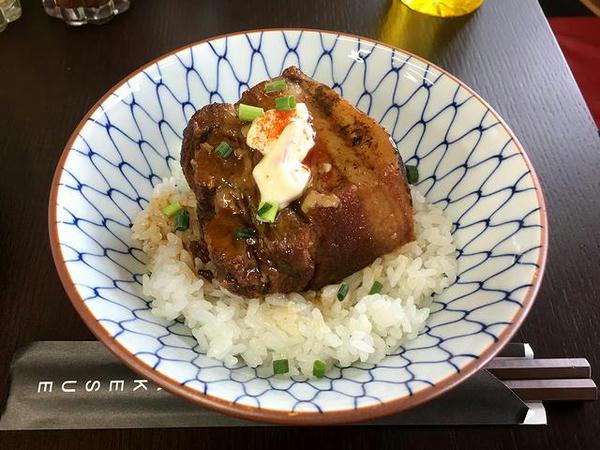 超豚バラ角煮丼 400円