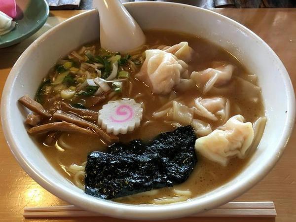 エビワンタン麺 950円