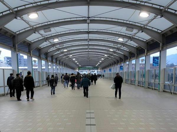 専用通路を通って再び仁川駅へ