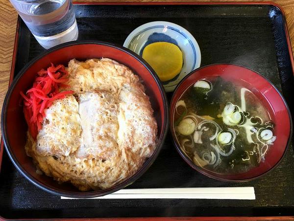 勝(カツ)丼 700円