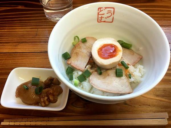 手打中華とミニチャーシュー丼セット 1000円 のミニチャーシュー丼