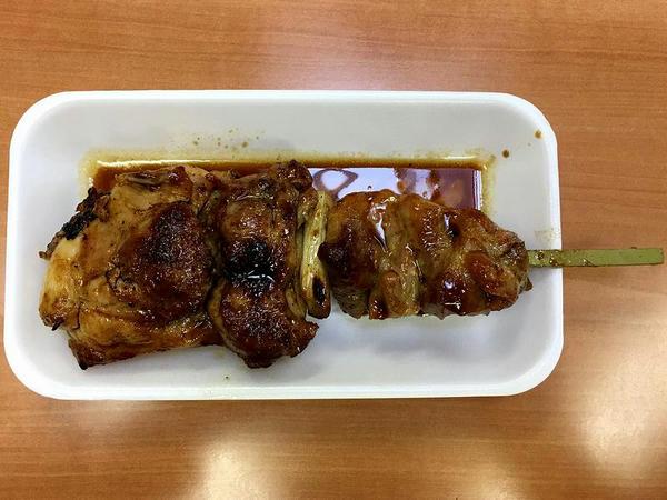 ジャンボ焼き鳥(甘ダレ) 400円