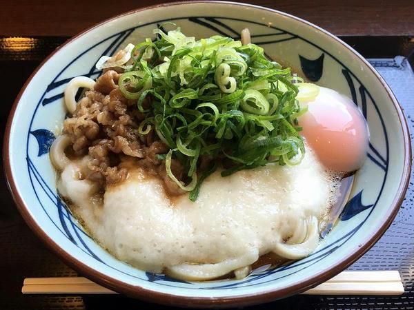 牛とろ玉うどん(冷・大) 740円