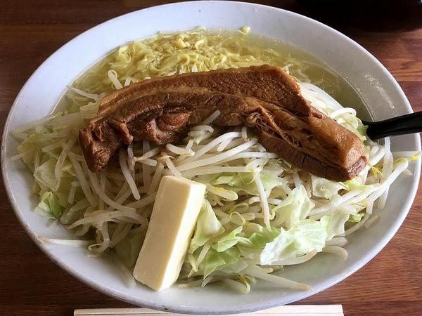 肉ラーメン(塩味) 1000円 + バター 100円