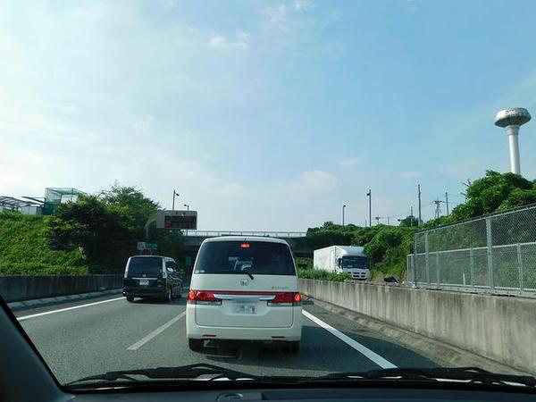 圏央道で渋滞に捕まり中