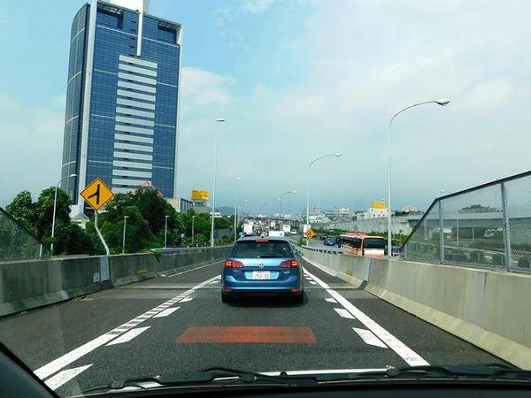 東名高速合流地点も渋滞中