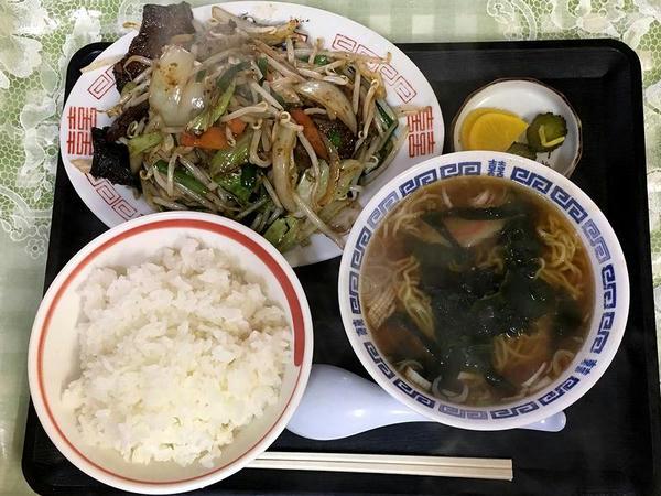 Bセット(レバ炒め定食) 940円