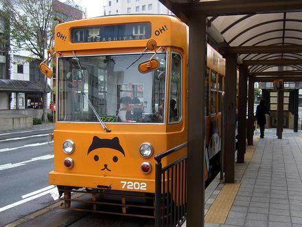 OH!くんの広告電車7202(城下にて)
