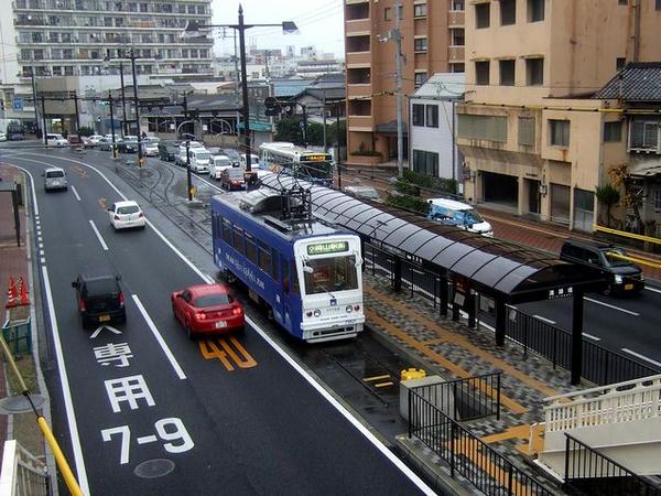 清輝橋で発車を待つ7901