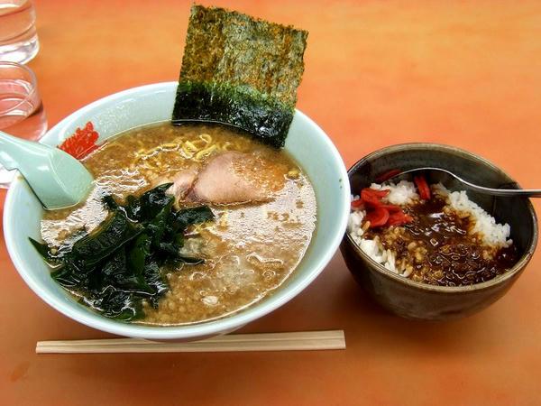 カレーセット(プレミアム醤油とんこつ+とんこつカレー丼) 980円