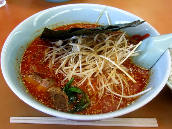 辛味噌ネギラーメン(激辛・脂普通・味薄目・麺普通) 790円 + ライス 160円