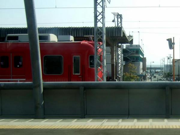 赤い名鉄電車