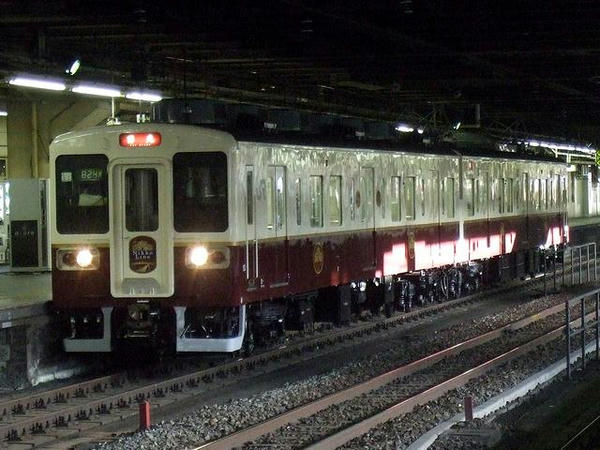 宇都宮駅で見かけた日光線用JR東日本107系0番台新塗装車