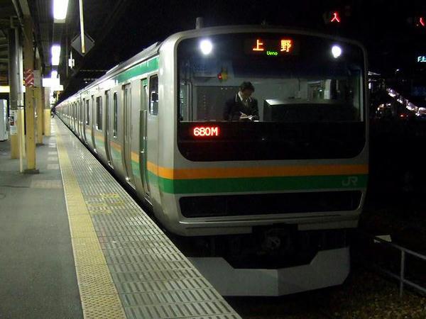 宇都宮駅で発車を待つ680M