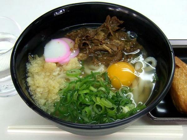 岡山駅5・6・7・8番線ホーム『あじわい』のうどん