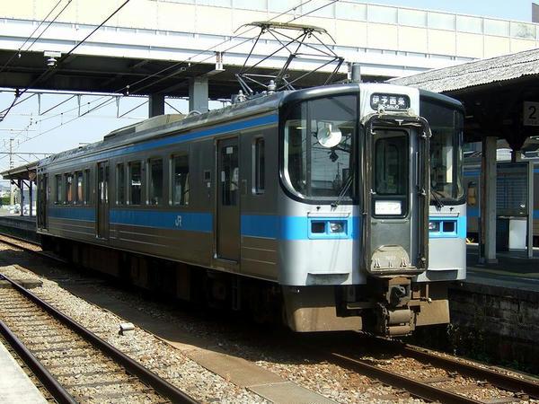 発車を待つ4133M別アングル