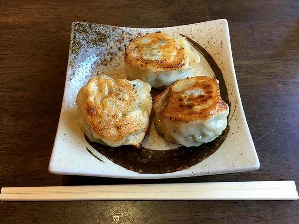焼き餃子3個 240円