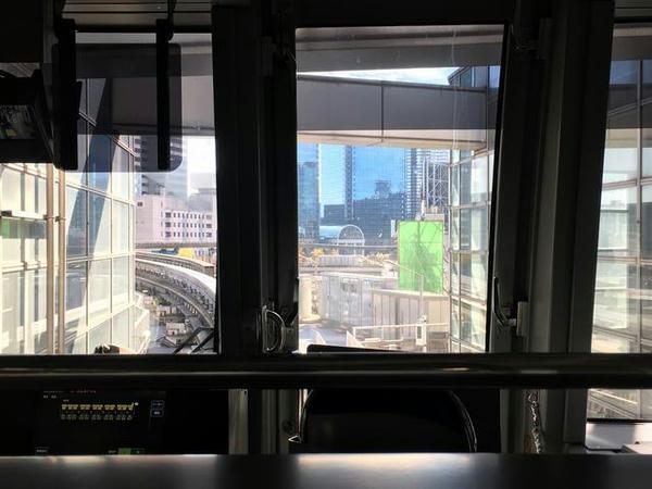モノレール浜松町駅で発車を待つ