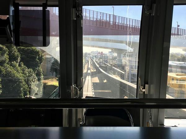 昭和島駅手前の車両基地