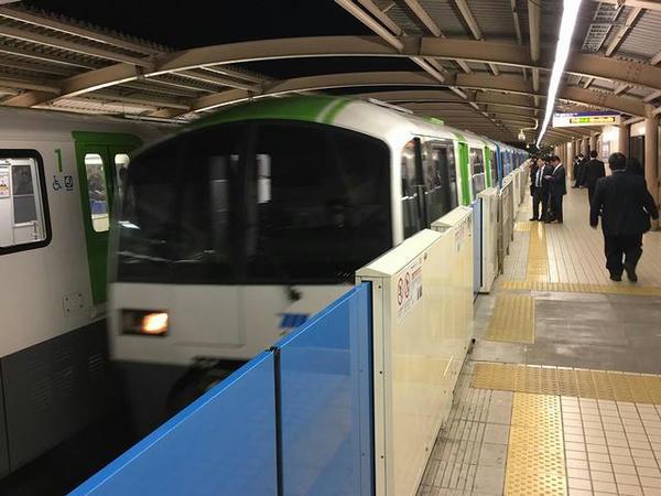 大井競馬場前駅に進入する1714普通列車