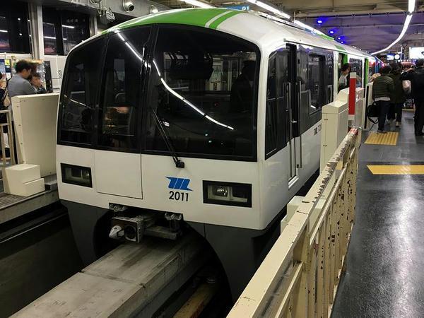 モノレール浜松町駅に到着した1714普通列車