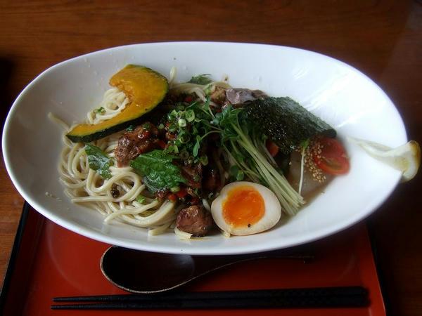 スパイシー塩冷やし(麺200g) 740円