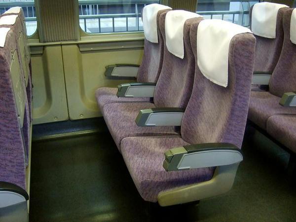 527-14のシート(3人掛け)
