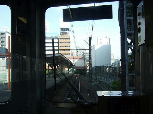 最後尾の窓から1 汐見橋駅を後に