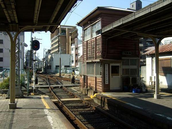 恵美須町停留所構内1