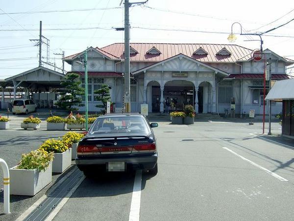 国の登録有形文化財となっている浜寺公園駅の駅舎