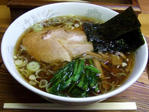 しょうゆラーメン(手打ち麺) 700円