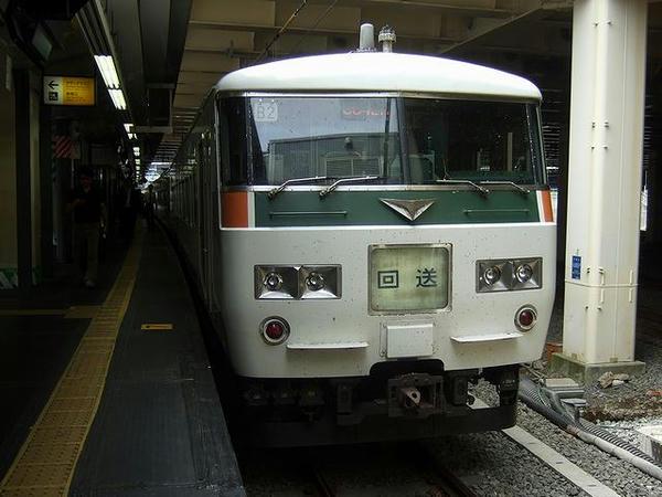 新宿駅に到着後、回送列車に