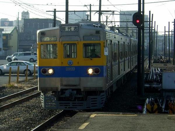 北熊本駅に入線する御代志行き列車