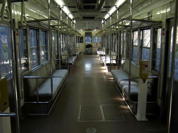 熊本電鉄6000系の車内