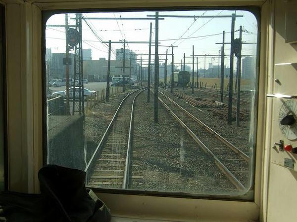 北熊本駅にて1~やって来た青ガエル