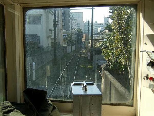 藤崎宮前駅手前は路地裏の趣