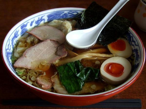 焼豚ワンタン麺 1030円 + 半熟煮玉子 100円